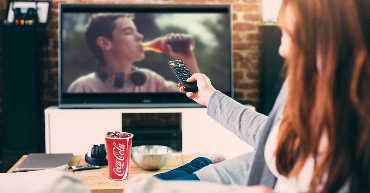 Przykład reklamy Coca Cola