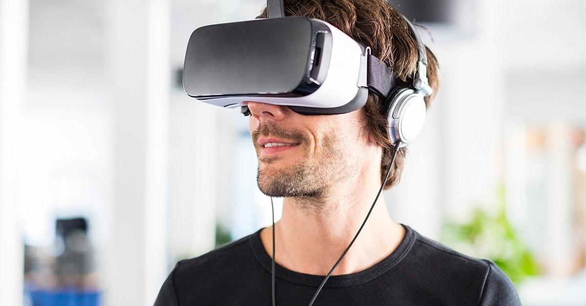 Chłopak w Google VR